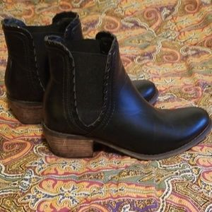 Black booties. Size 7. Like new